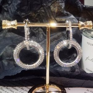 Jewelry - Circle Amor Earrings